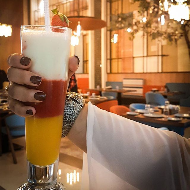 Just when you know places that serves some of the best drinks in town just right nex to you. You go and have it right??? My Sweet Laban with Mango & Strawberry from @awanilevant made my day even more better. And in love with my @kissproductsuae all its gelish finish by @impressmanicure #dubaifoodblogger #uaefoodblogger #theshazworld #food #foodporn #yum #instafood #socialenvy #shopstemdesigns #yummy #amazing #instagood #photooftheday #dinner #lunch #breakfast #tasty #food #delish #delicious #eating #foodpic #foodpics #eat #hungry #foodgasm #hot #foods