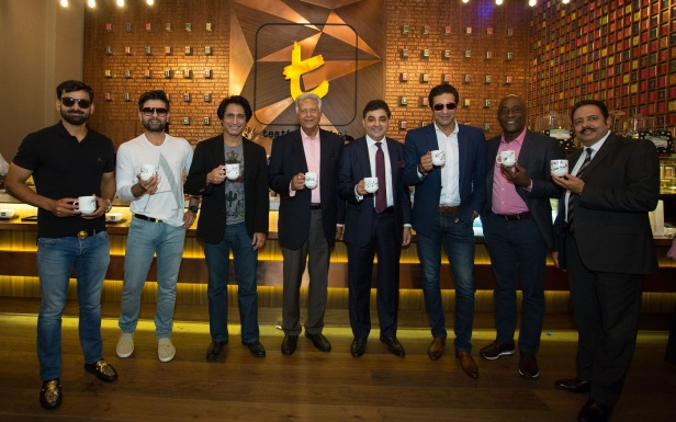 Cricketers meet and greet at Dilmah t-Lounge.jpg